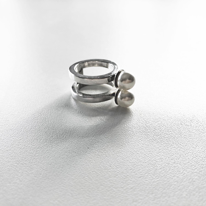 KristinaC - Anello chiuso due grandi perle